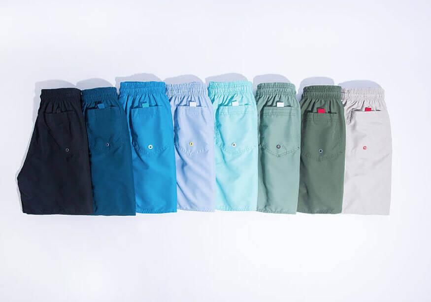 shorts microfibras lisos no fundo branco