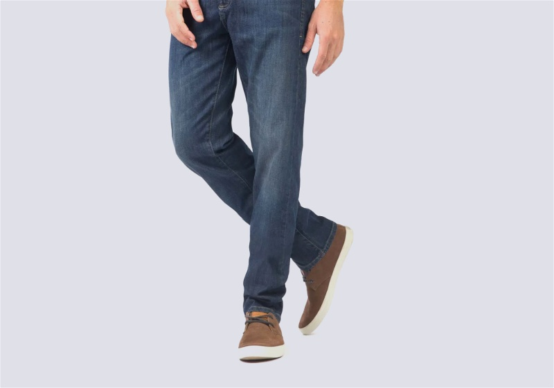 calça jeans com sapato masculino